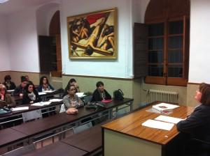 En la imagen, una de las sesiones impartidas por la profesora Basi López.