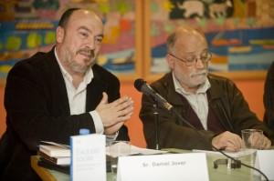 Daniel Jover, a la izquierda, junto a Arcadi Oliveres.