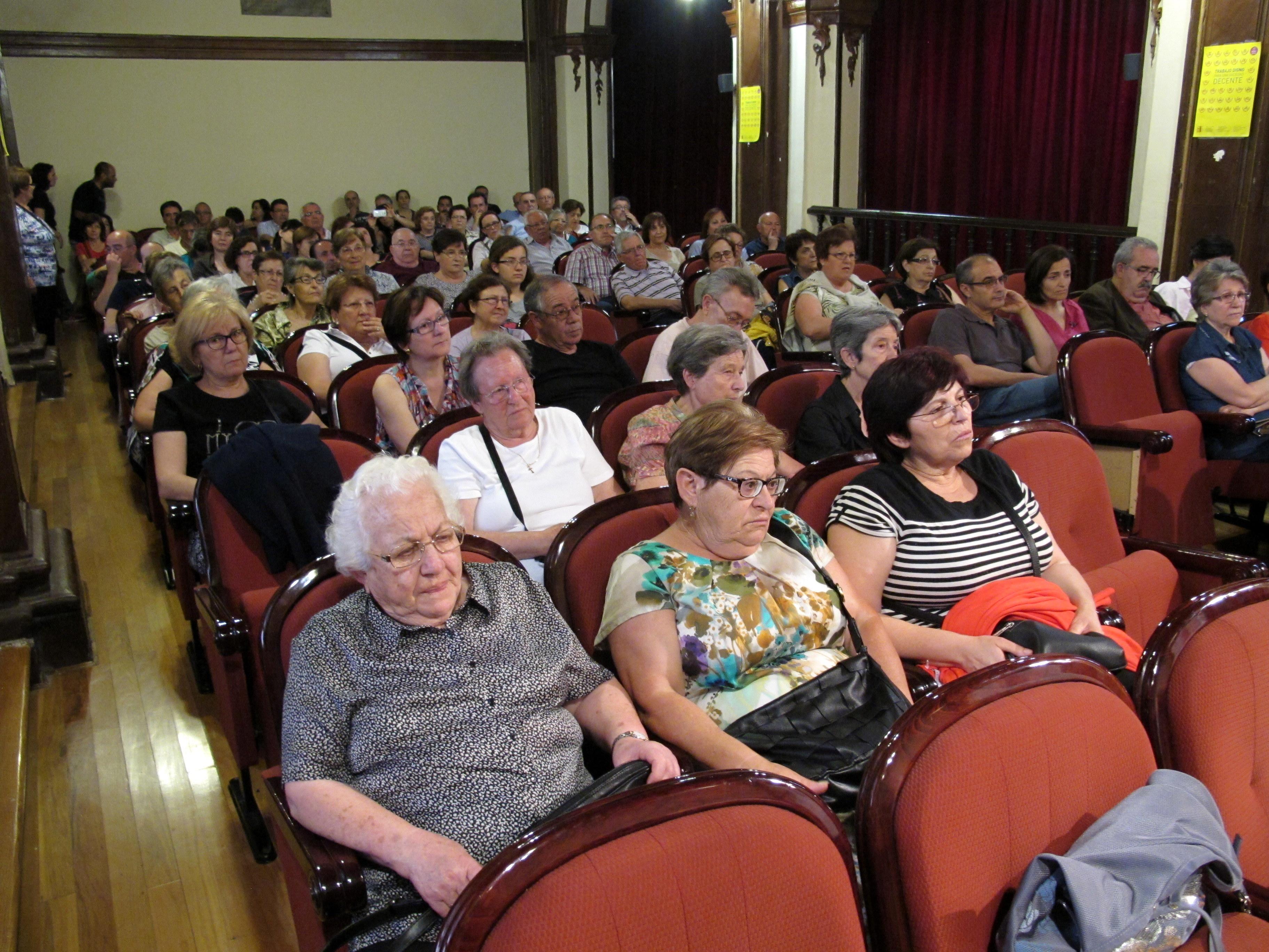 Imagen del salón de actos del IES Licenciado Cascales, durante la intervención de Daniel Jover