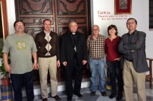 De izquierda a derecha, Joaquín Sánchez, José Fernando Almazán, el obispo D. José Manuel Lorca,  Jesús Fernández Pacheco, Rosa López y Pedro J. Navarro, tras la visita de los miembros de la Comisión Permanente y Comisión Diocesana.