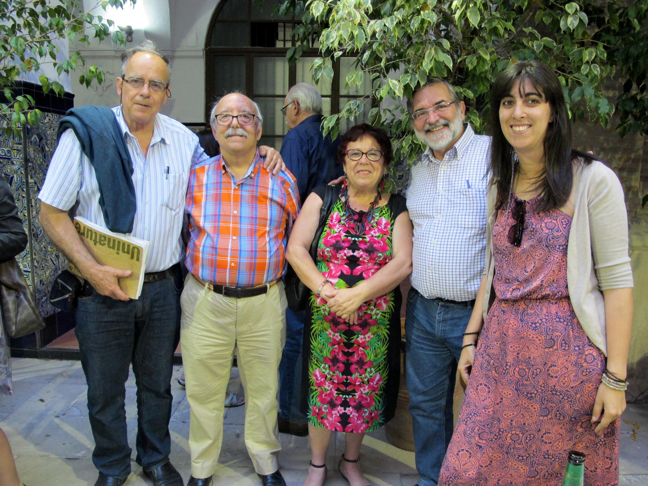 Esteban Velázquez, a la izquierda, junto a varios participantes en el Día de la HOAC.